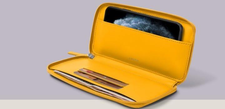 Custodia a portafoglio con zip per iPhone 11 - Giallo sole - Pelle Liscia